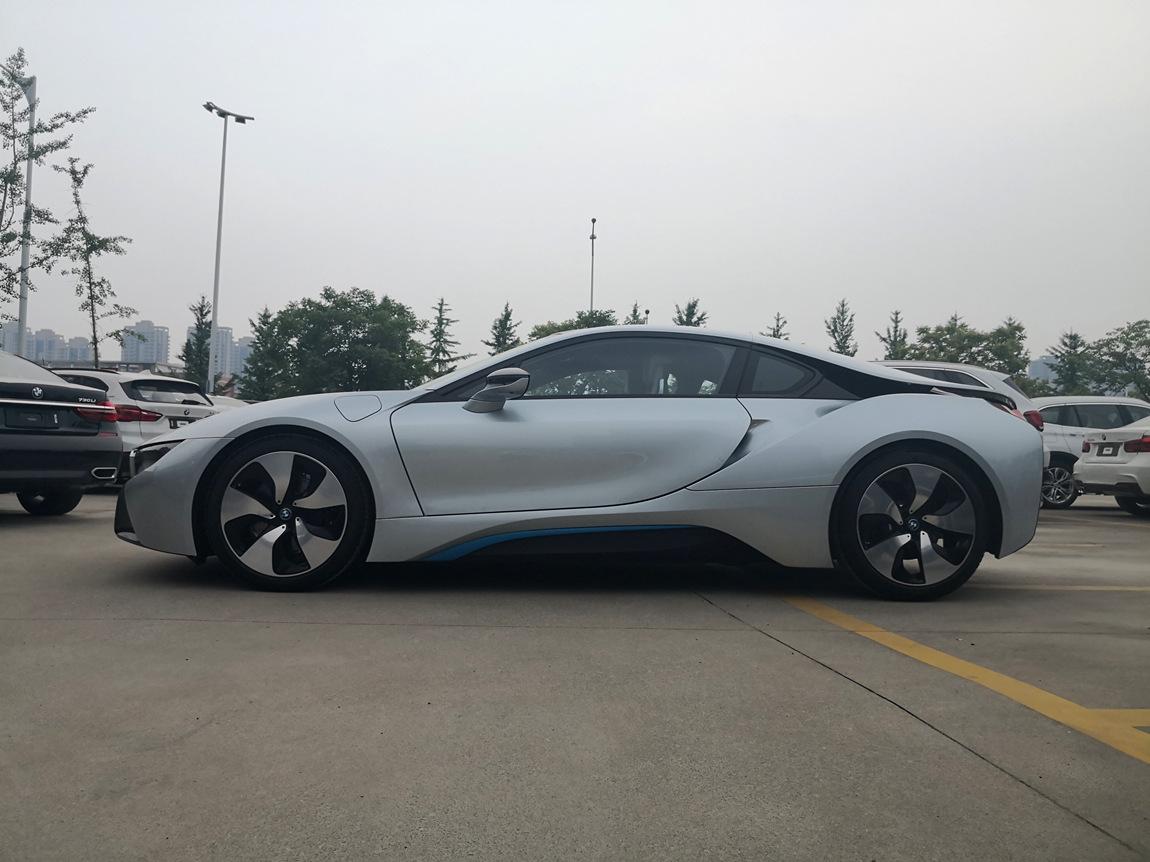 天津车市 最新18款宝马i8新能源跑车 最优惠价畅销  新款宝马i8针对